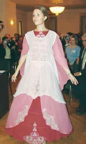 """Демонстрация дипломной работы - свадебного платья  """"Совет да любовь """" в..."""